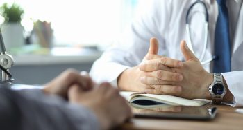 כמה מותר לקחת על ביקור רופא לטובת הנפקת רישיון לקנאביס רפואי?