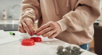 איך מתחילים טיפול ראשוני בקנאביס רפואי?